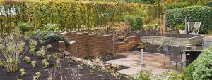 Aanleg tuin met waterval